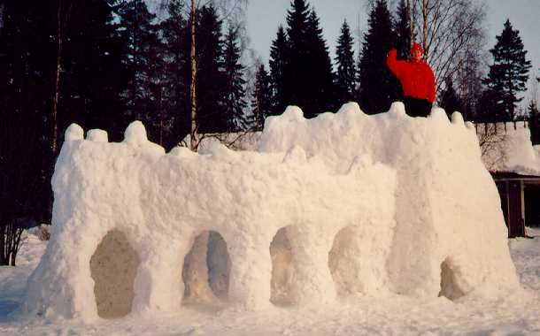 снежен замък